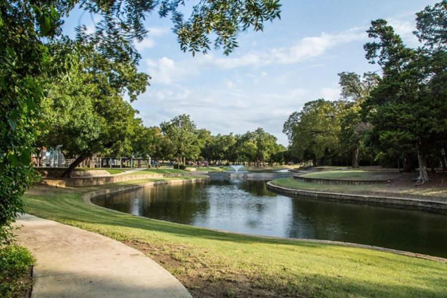 El Parque Gussie Field Watterworth dispone de áreas para realizar pícnics