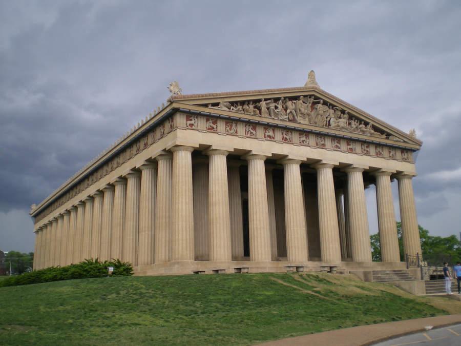 Partenón de Nashville, réplica a escala real del original
