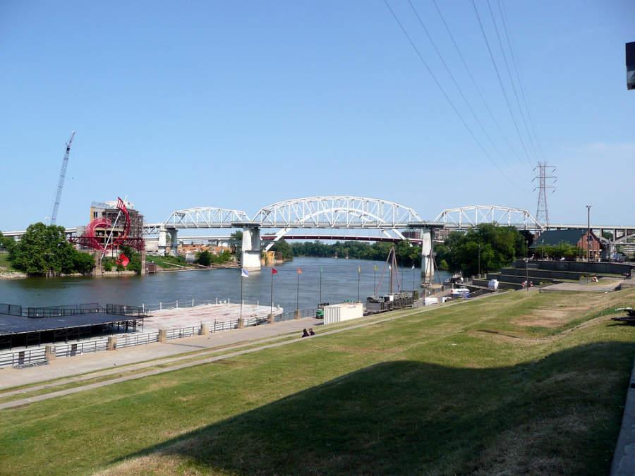 Puente de la calle Shelby en la ciudad de Nashville