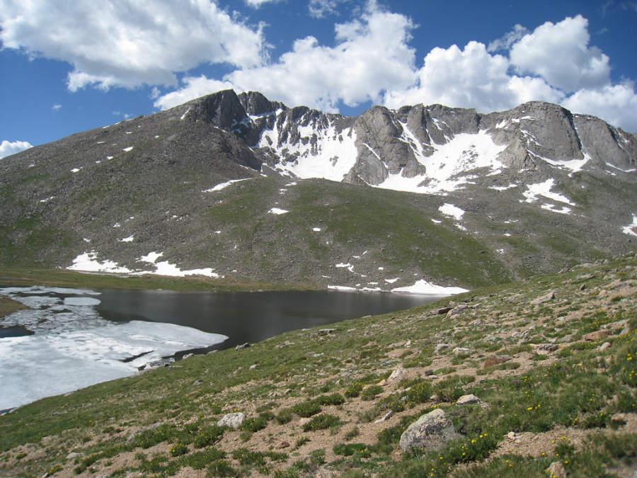 Paisaje montañoso cerca de Denver