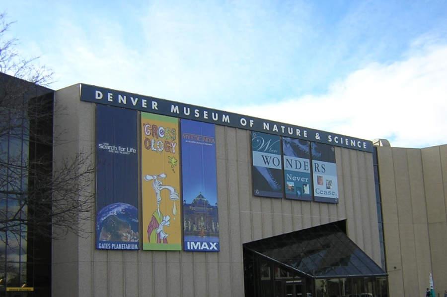 En Denver Museum of Nature and Science hay una pantalla IMAX