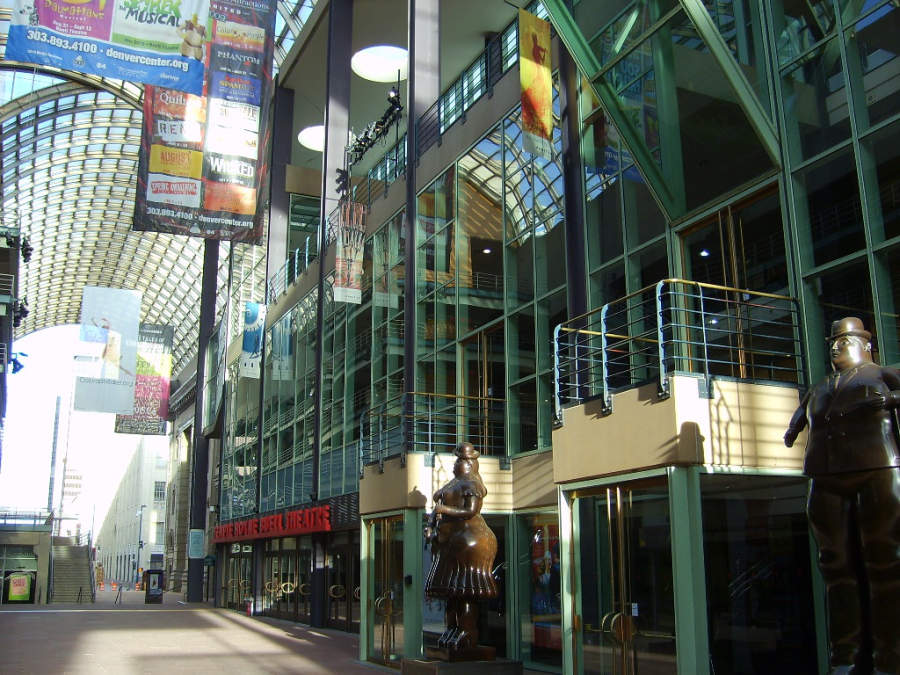 Denver Center for the Performing Arts es un recinto de espectáculos teatrales y musicales