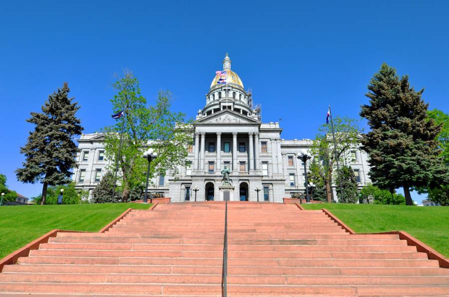 Vista exterior del Capitolio Estatal de Colorado en Denver