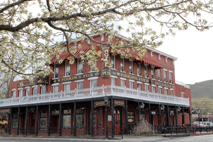 Hotel en el centro de Carson City