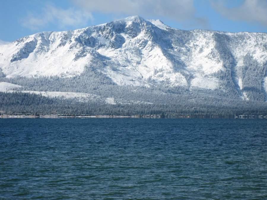 Desde Stateline se puede acceder a la zona de esquí de montaña de Heavenly Mountain Resort