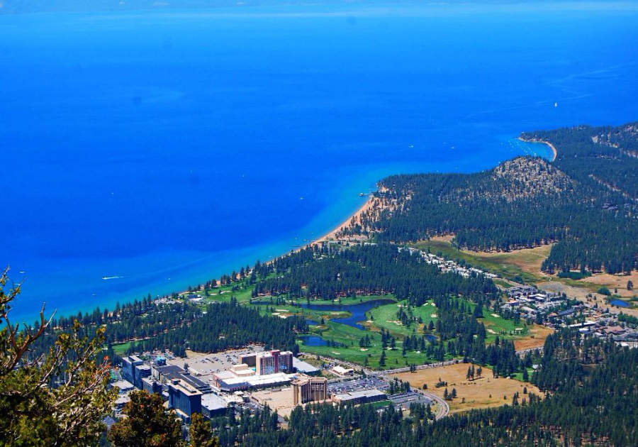 Vista panorámica de Stateline en la orilla sureste del lago Tahoe