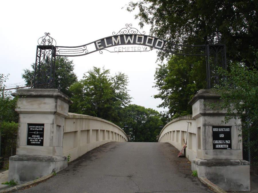 El Cementerio Elmwood se inauguró en el año 1852