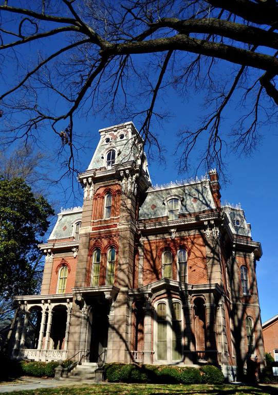 La Casa Woodruff-Fontaine es una mansión de estilo victoriano ubicada en Memphis