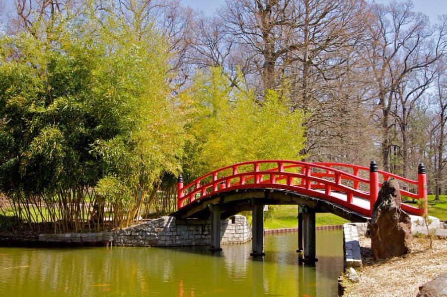 Puente en el Jardín Botánico de Memphis