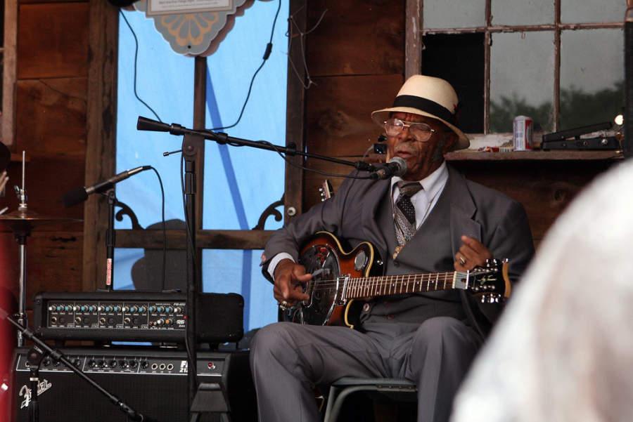 Espectáculo musical durante el festival Memphis in May