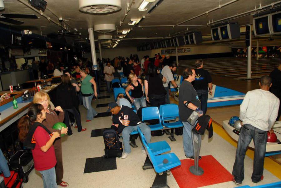 Área de boliche del centro Lynnwood Bowl and Skate