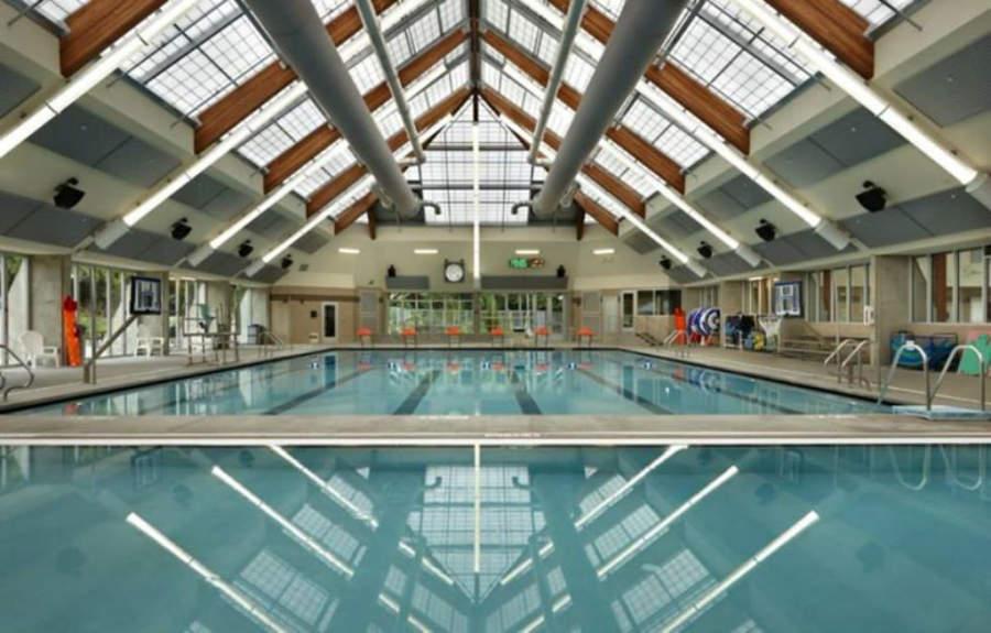 Alberca del centro recreativo Lynnwood Recreation Center & Pool