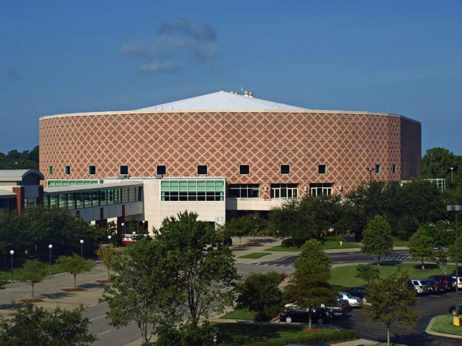North Charleston Coliseum es un recinto de espectáculos de música y danza