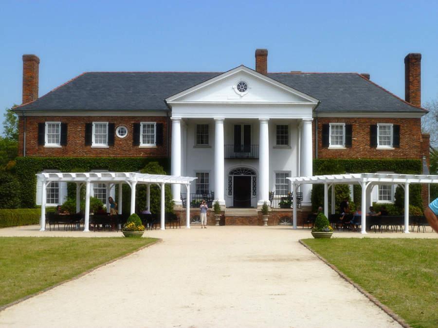 Boone Hall es una antigua plantación en North Charleston