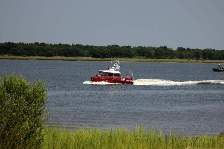 Un bote del Departamento de Bomberos de North Charleston