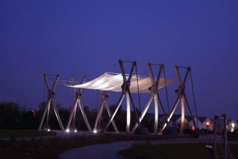 Vista nocturna del Parque Riverfront en North Charleston