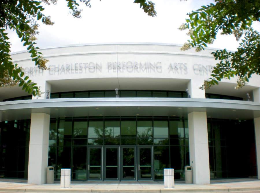 Entrada del recinto North Charleston Coliseum and Performing Arts Center