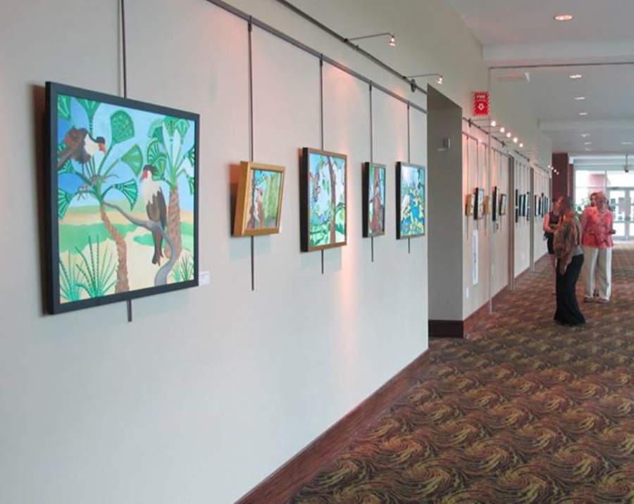 The North Charleston City Center exhibe pinturas de artistas locales e internacionales