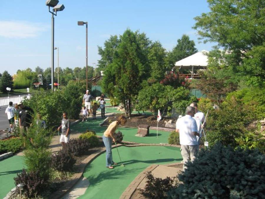 Golfito en el parque deportivo Dulles Golf Center & Sports Park