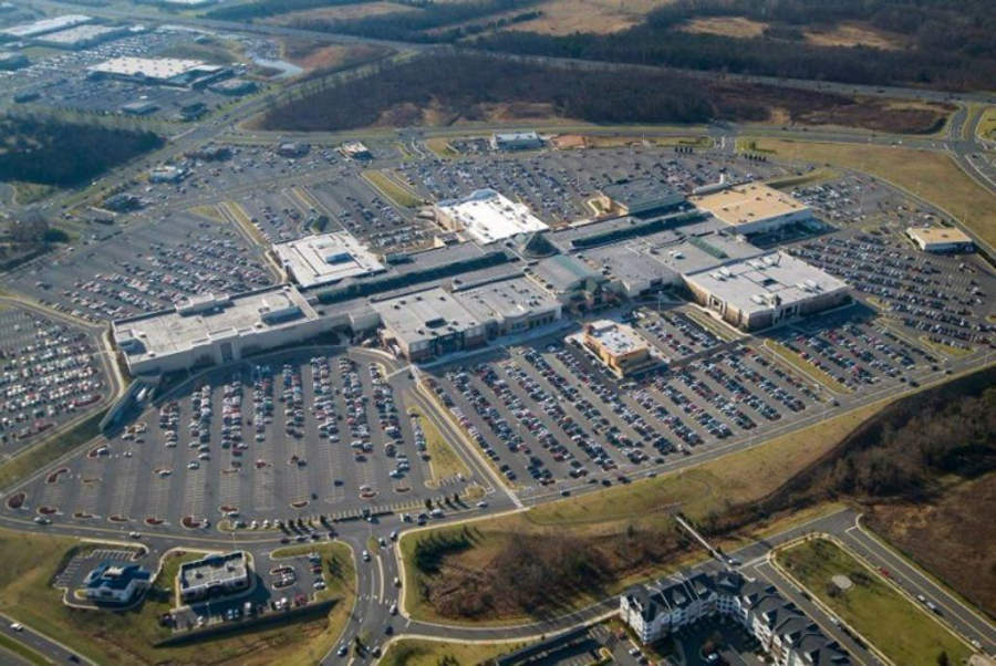 Centro comercial Dulles Town Center, Sterling, Virginia