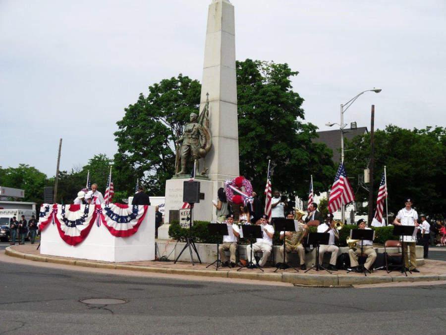 Celebración del Día de los Caídos en el centro de Englewood