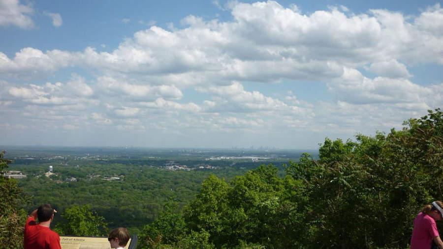 Vista de la ciudad de Kennesaw desde la Montaña Kennesaw