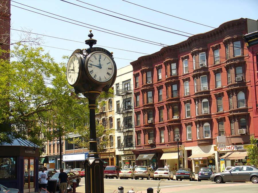Antiguo reloj en la ciudad de Hoboken