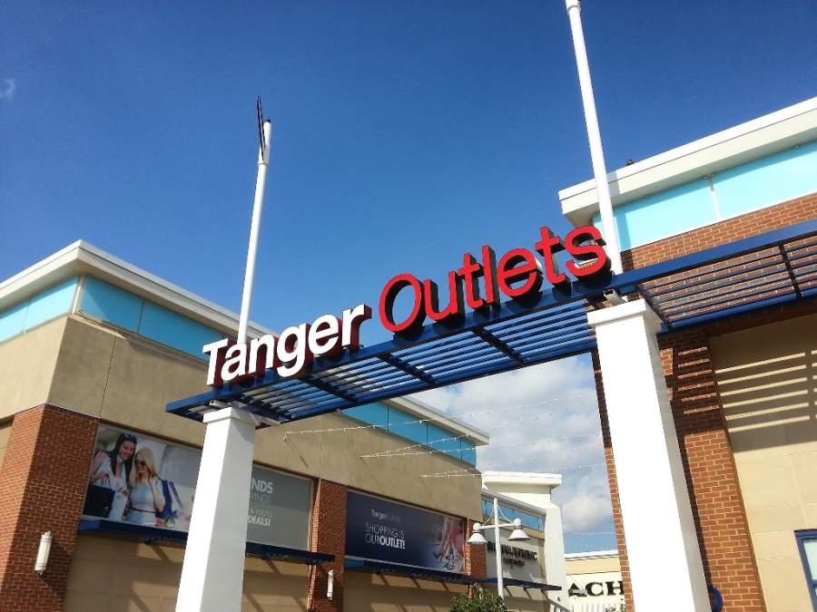 Centro comercial Tanger Outlets en National Harbor, Maryland