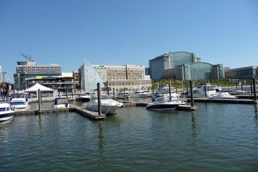 Zona del puerto deportivo National Harbor Marina