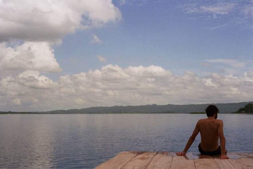 En Flores puedes refrescarte en el lago Petén Itzá