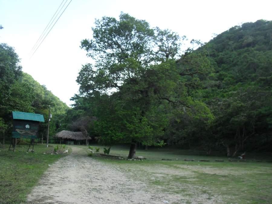 Las cuevas de Actún Can están a 2 kilómetros del centro de Santa Elena