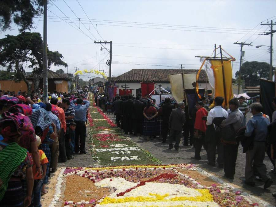 Asiste a las celebraciones religiosas en San Pedro Las Huertas