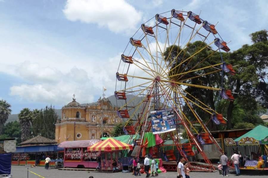 Feria durante alguna celebración en San Pedro Las Huertas