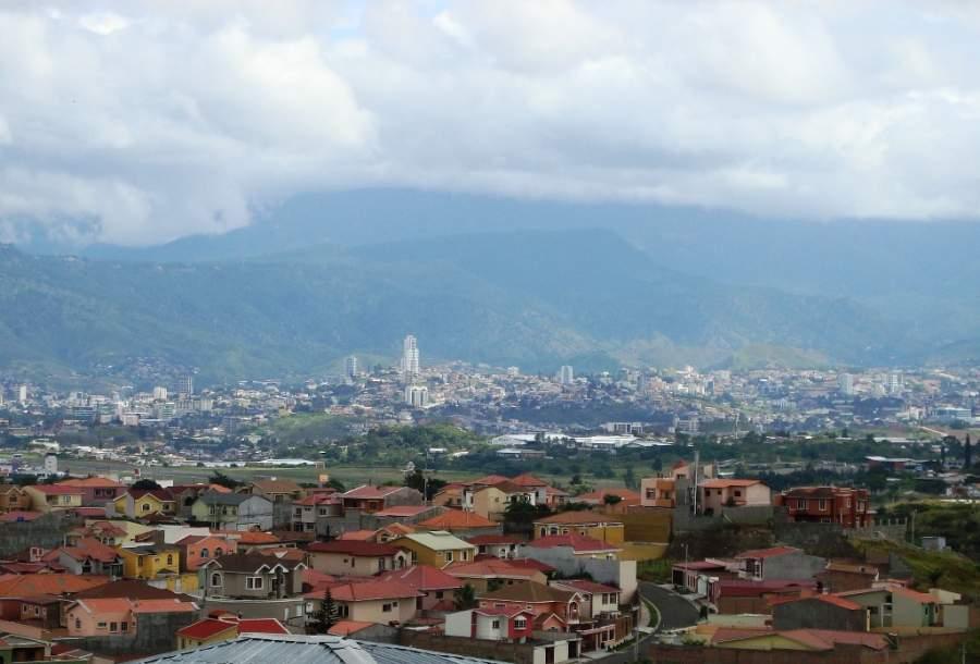 Tegucigalpa se encuentra en una región montañosa de Honduras