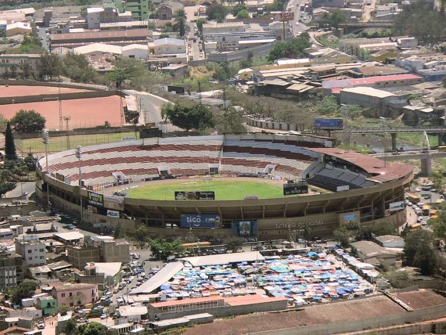 Estadio Nacional Tiburcio Carías Andino en Tegucigalpa