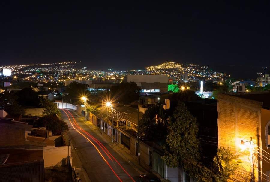 Paisaje nocturno de la ciudad de Tegucigalpa