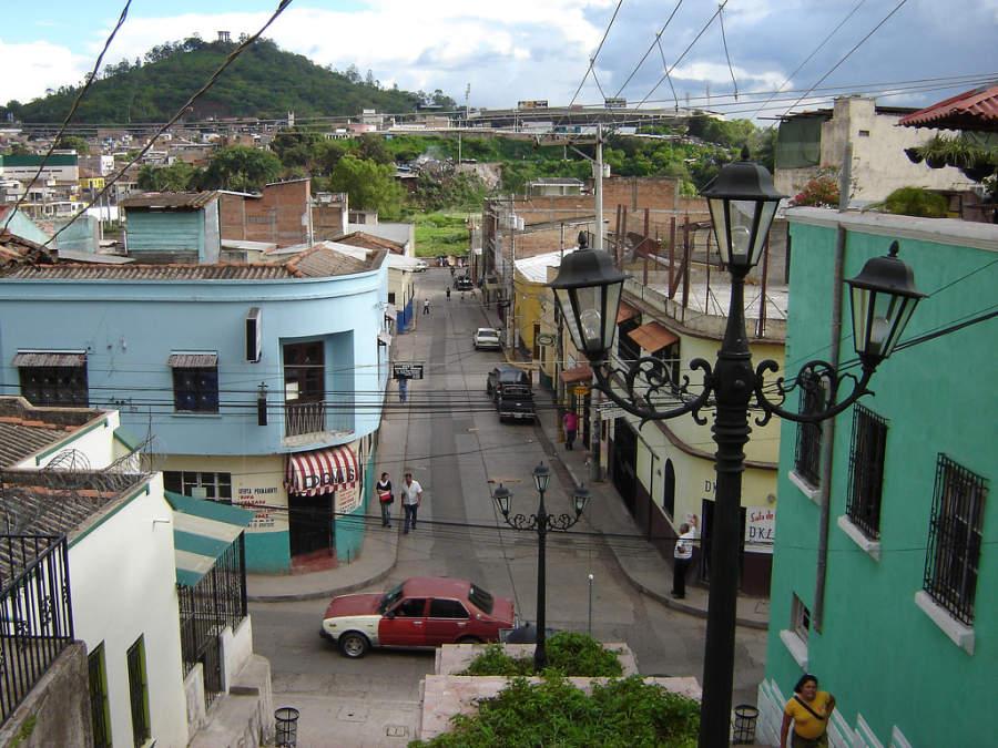 Calle en la ciudad de Tegucigalpa