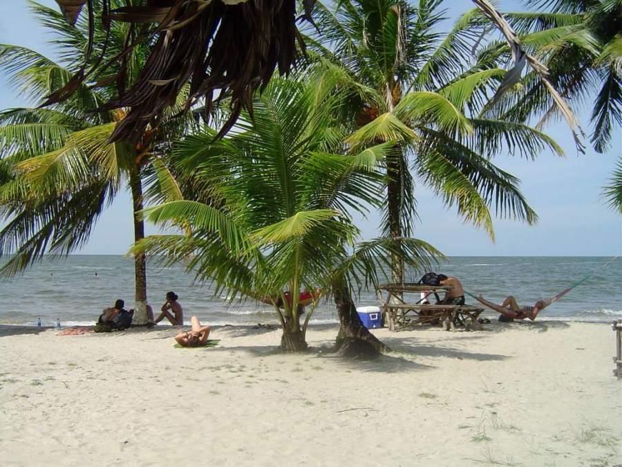 Playa Blanca es un paraíso natural perfecto para descansar o darte un chapuzón