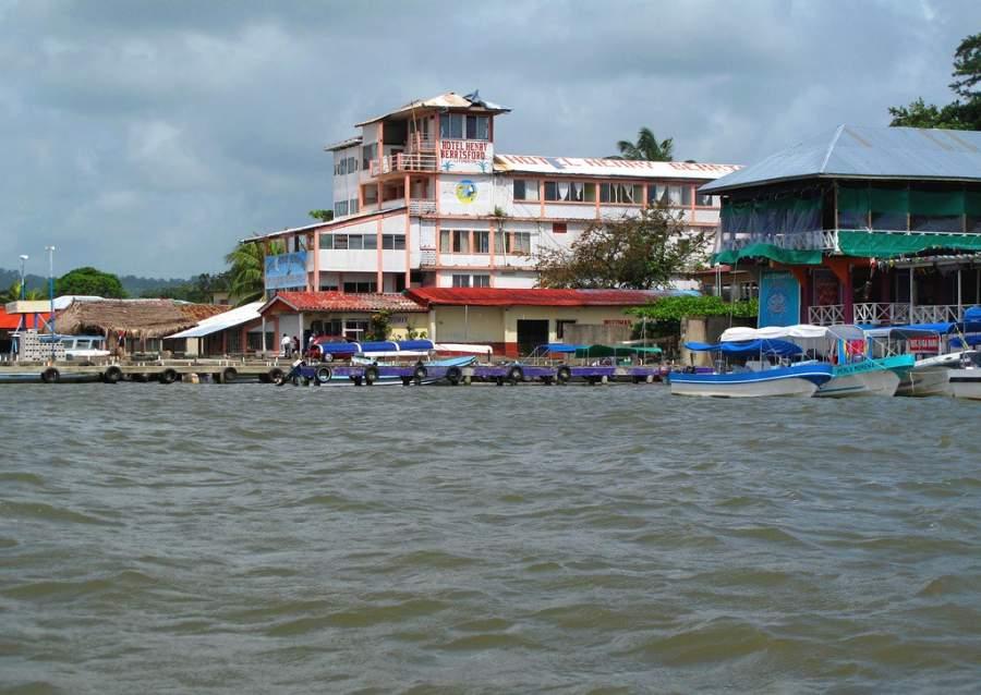 Puerto de Livingstone en Guatemala