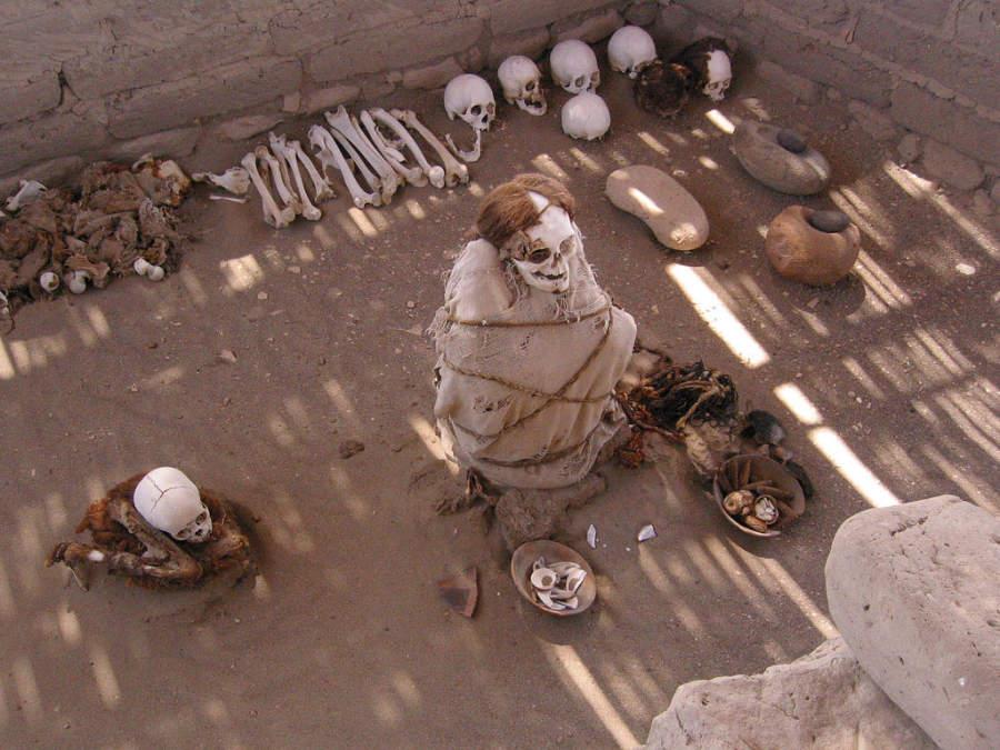 Visita el Cementerio de Chauchilla