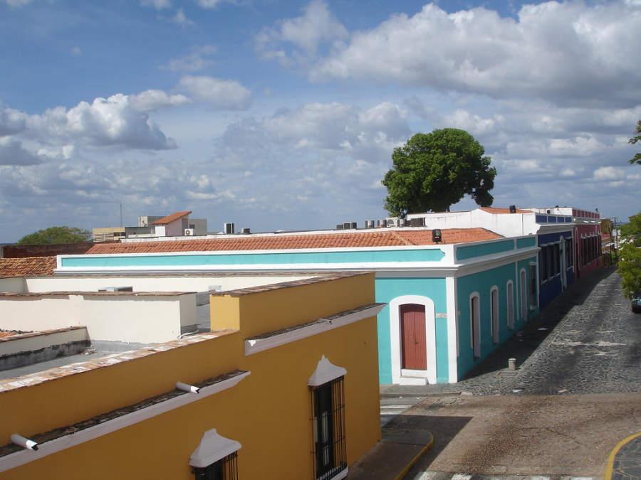 Una calle en el centro histórico de Ciudad Bolívar