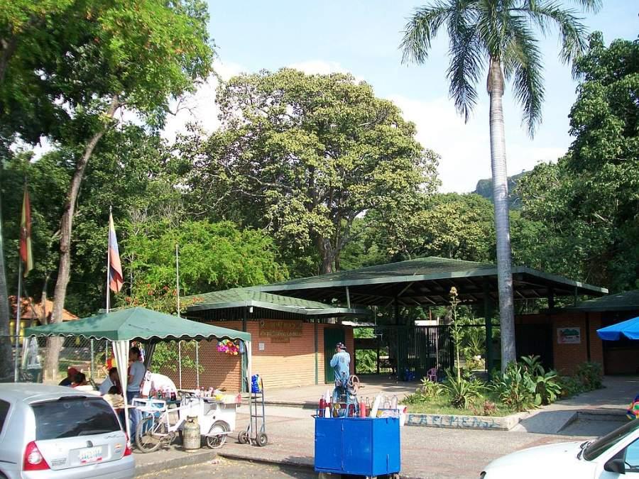 Exterior del Parque Zoológico Las Delicias en Maracay