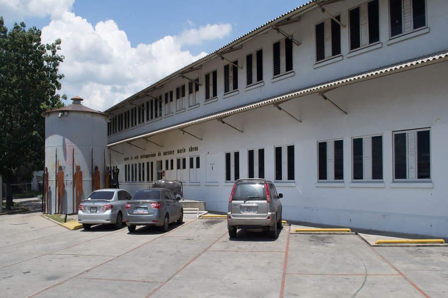 Fachada del Museo de Arte Contemporáneo Mario Abreu