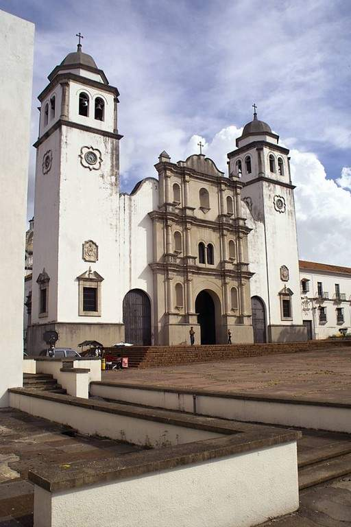 Catedral de San Cristóbal, en cuya fachada destacan elementos de la arquitectura toscana