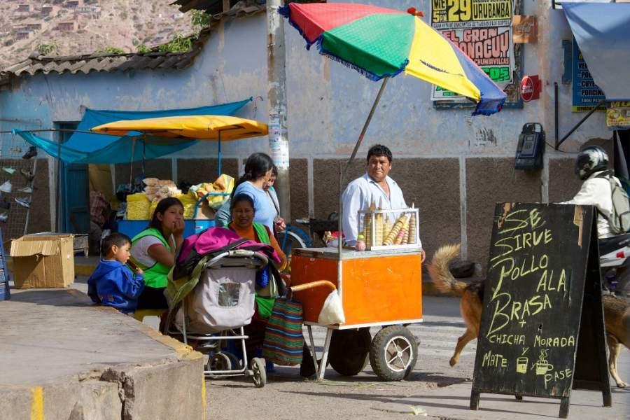 Comerciantes en la comunidad de Urubamba, Cuzco