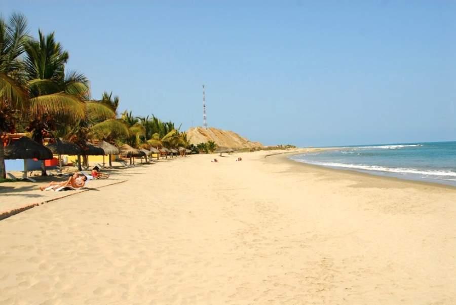 Una playa en la región de Tumbes