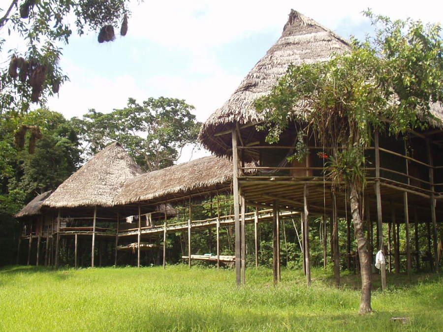 Palafitos en la ciudad de Iquitos
