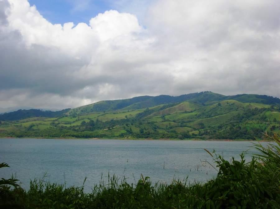 El pueblo de Nuevo Arenal se encuentra junto al lago Arenal