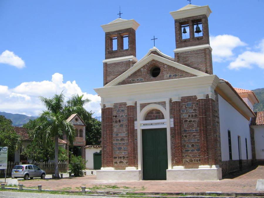 Conoce la iglesia de la Plaza Menor en Santa Fe de Antioquia
