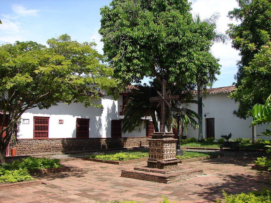 Plaza de Santa Bárbara en la ciudad de Santa Fe de Antioquia